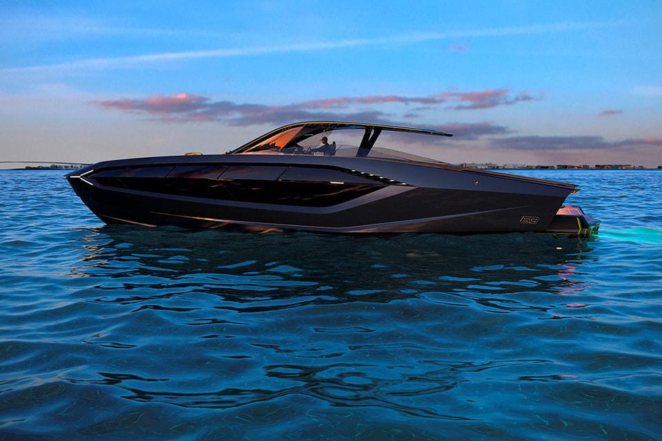 Базовая стоимость Lamborghini 63 Yacht – 3,5 млн долларов, мощность 4000 л. с., длина 19 м. Такой будет первая яхта  автомобильного бренда Lamborghini