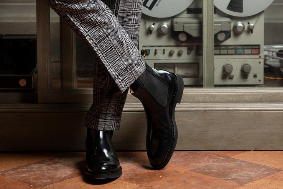 Коллекция классической мужской обуви представлена монками, челси, мокасинами и лоферами