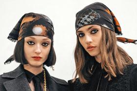 Платки из женской коллекции Dior осень-зима 2020/21