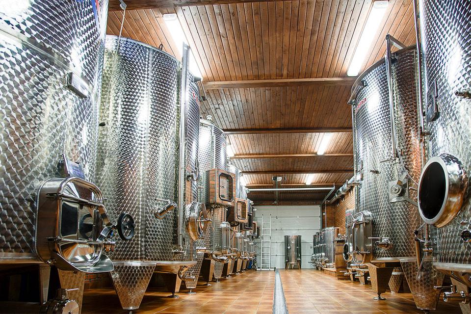 Винодельня «Поместье Голубицкое» – сверхсовременное хозяйство, поражающее своей архитектурой и дизайном