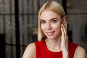 Для Елены Шифриной стало открытием, что нужное количество клетчатки, витаминов, микроэлементов отбивает желание съесть фастфуд