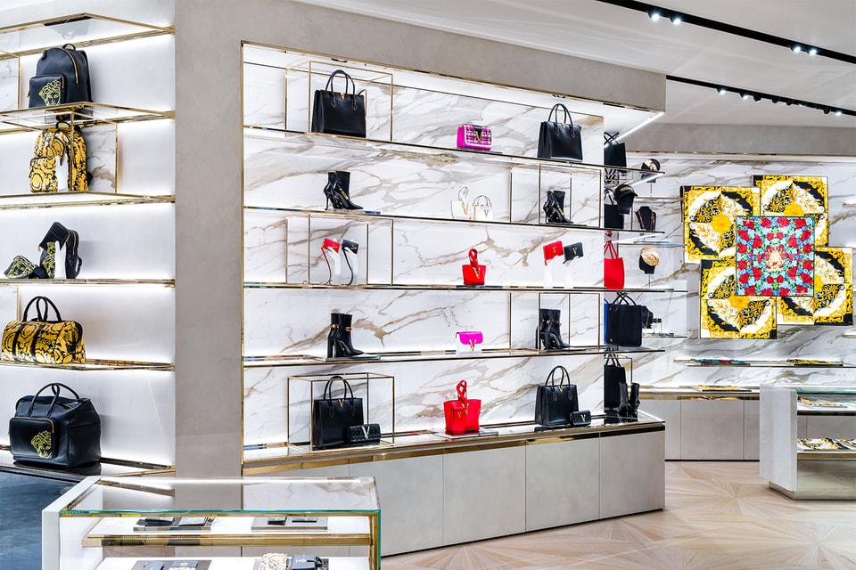 Интерьер нового магазина Versace