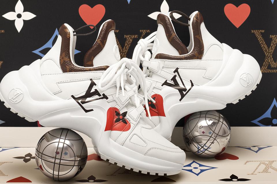 Кроссовки из круизной коллекции Louis Vuitton 2021 Game On декорированы четырьмя мастями карточной колоды
