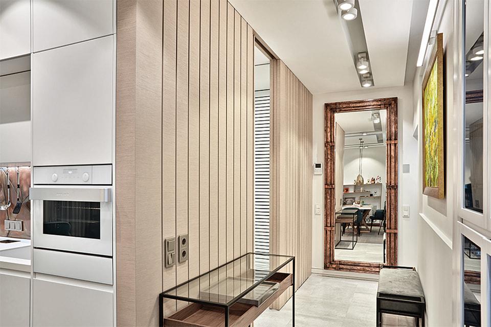 Довольно часто архитектура пространства диктует характер декора