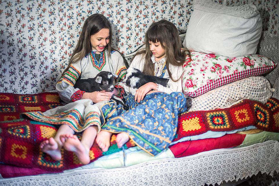 На новое место, – в Пошехонье на Рыбинском водохранилище, – Олеся и Саша уехали всей семьей, с детьми и животными
