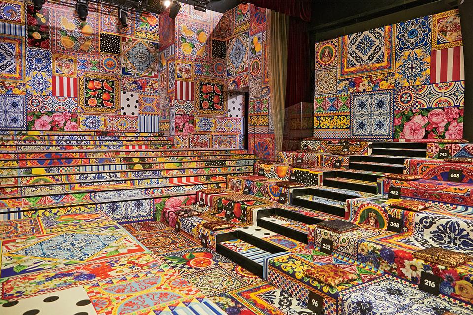 Многоцветье на показе Dolce & Gabbana весна-лето 2021