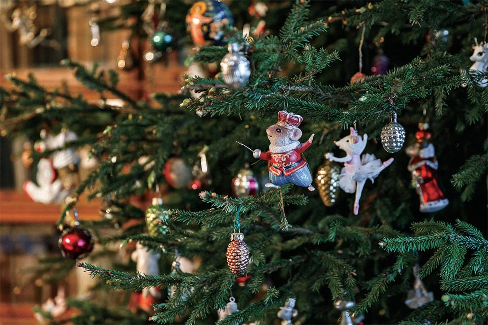 Алла любит устраивать Рождество встиле «Щелкунчика»