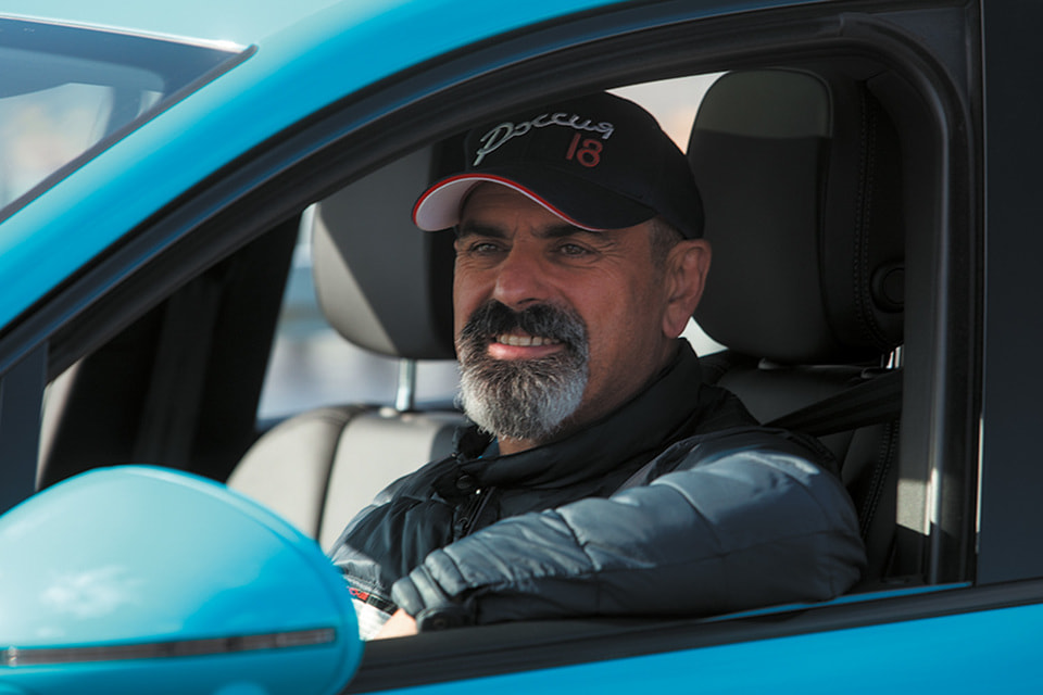 Арам Мнацаканов за рулем Porsche