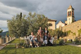 Основатель и владелец бренда Брунелло Кучинелли в кругу своей семьи