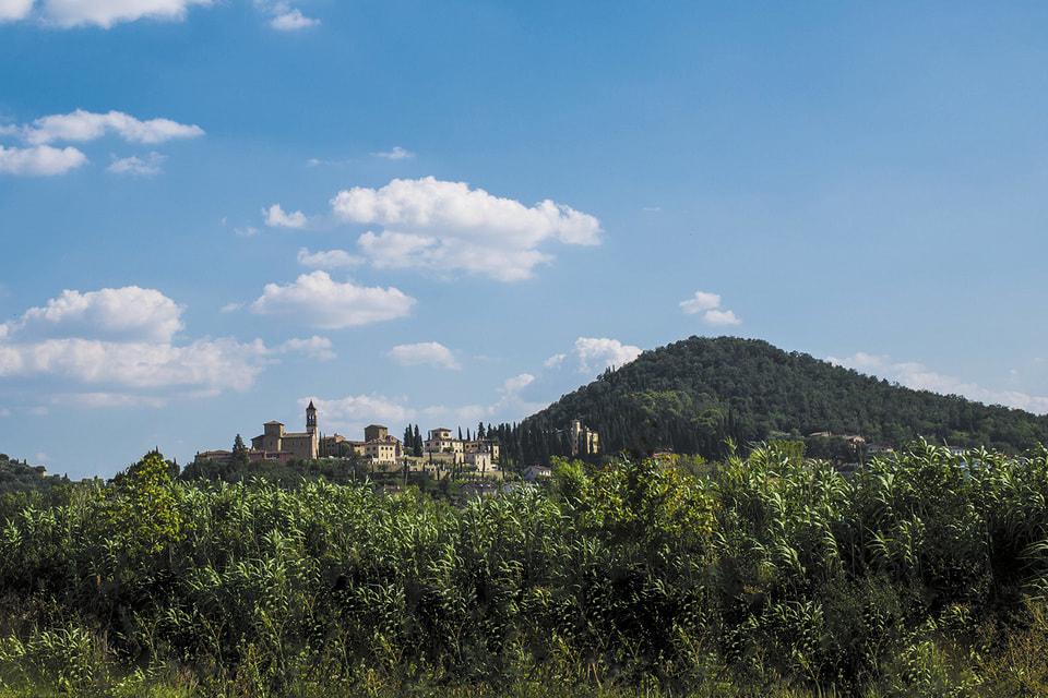 Соломео и его окрестности: здесь расположен не только дом самого Кучинелли, но и производство