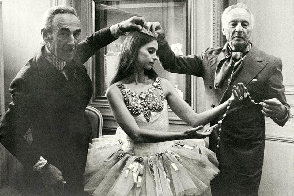 Ювелир Пьер Арпельс и хореогрф Джордж Баланчин в бутике Van Cleef & Arpels в Нью-Йорке, 1967 год