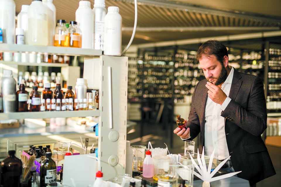 Андреа Казотти в творческой лаборатории