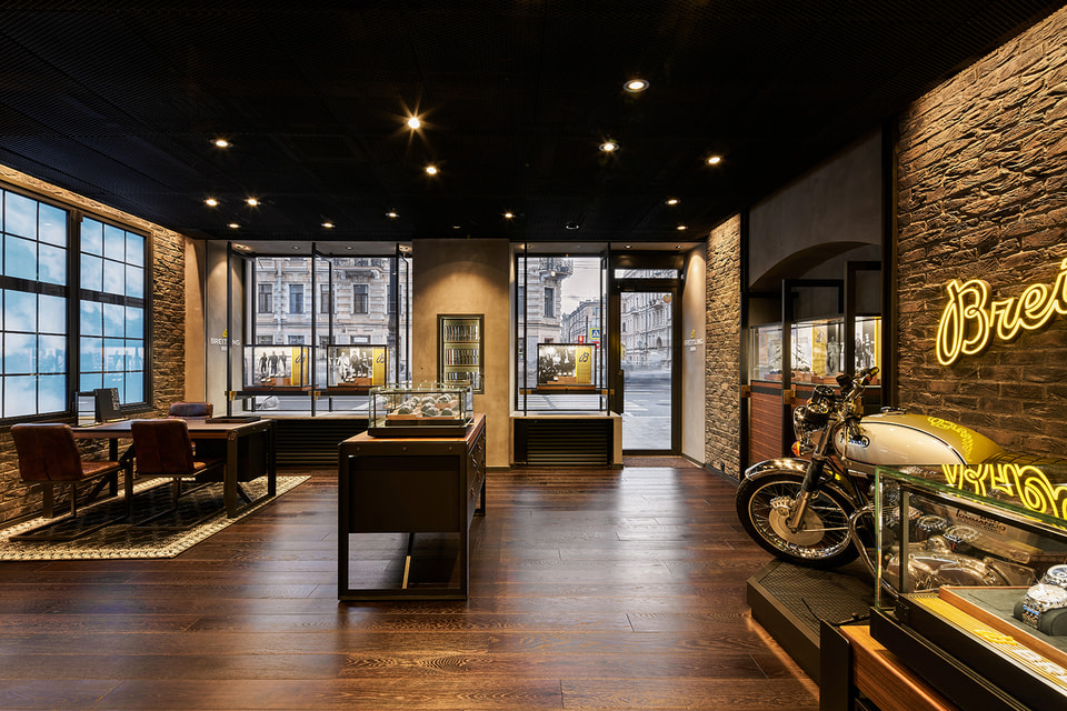 Интерьер «лофта»-бутика Breitling c лаунж-зоной