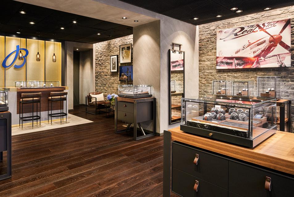 В новом бутике представлена самая полная коллекция часов Breitling в Санкт-Петербурге – более 150 моделей, среди которых новинки 2020 года