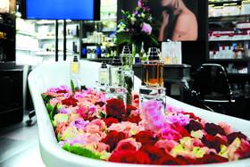 Ванна с цветами и ароматами в Rivoli Perfumery<br>