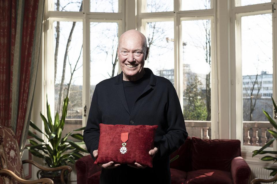 В свои 70 лет Жан-Клод Бивер стал обладателем ордена Почетного легиона как один из самых выдающихся антерпренеров швейцарской часовой индустрии и деятелей французского рынка роскоши