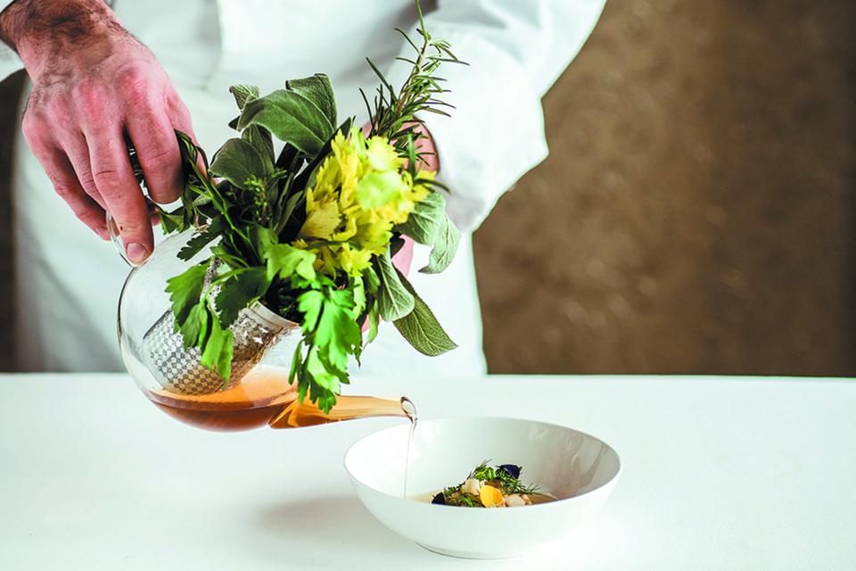 В ресторане Romanoff подают классику международной и швейцарской кухни