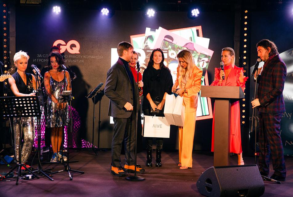 Церемония награждения проходила в шоу-руме Ли-Лу