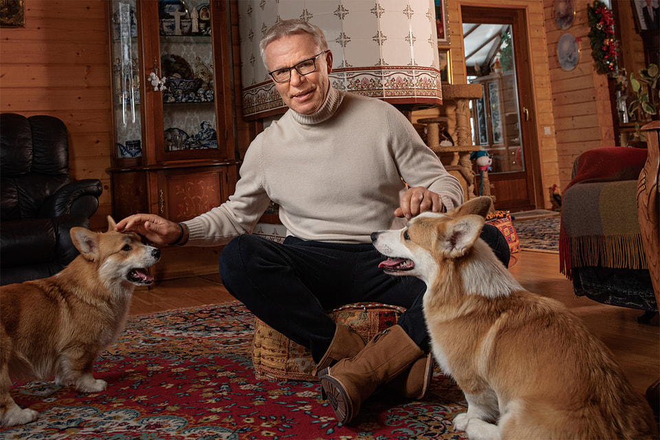 Вячеслав Фетисов со своими любимыми домашними питомцами