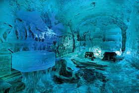 Расположен этот уникальный музей внутри священного холма Чочур Муран, что в переводе с якутского означает «остроконечная сопка»