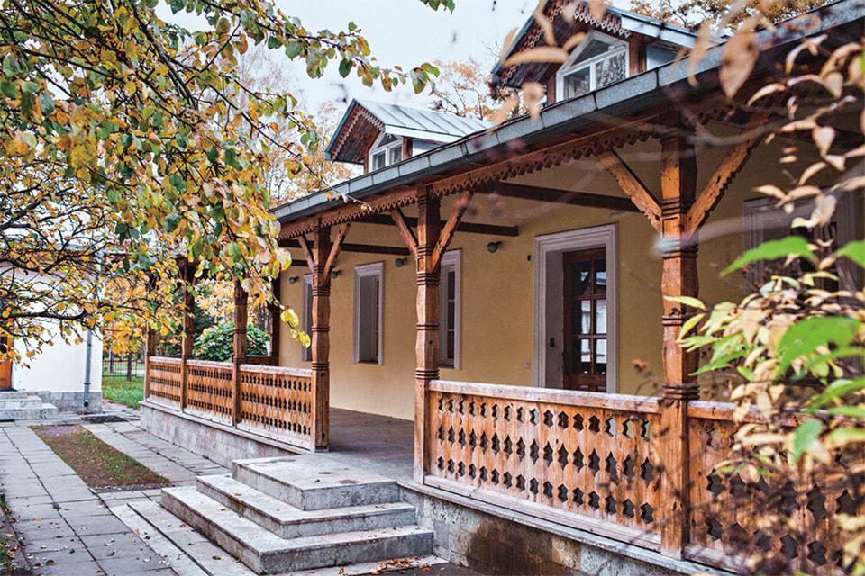 Дом в деревне Мандроги