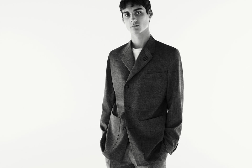 Ким Джонс решил сделать формальную одежду максимально удобной для будничной жизни, не изменяя принципам Дома Dior