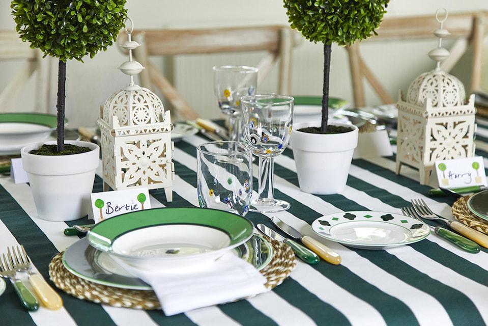 Как бы ни менялись тренды сервировки и убранства, хорошие манеры и искреннее гостеприимство всегда будут играть важную роль