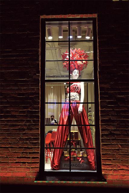 Витринный декор винного бутика Piemaggio, 2021 г.