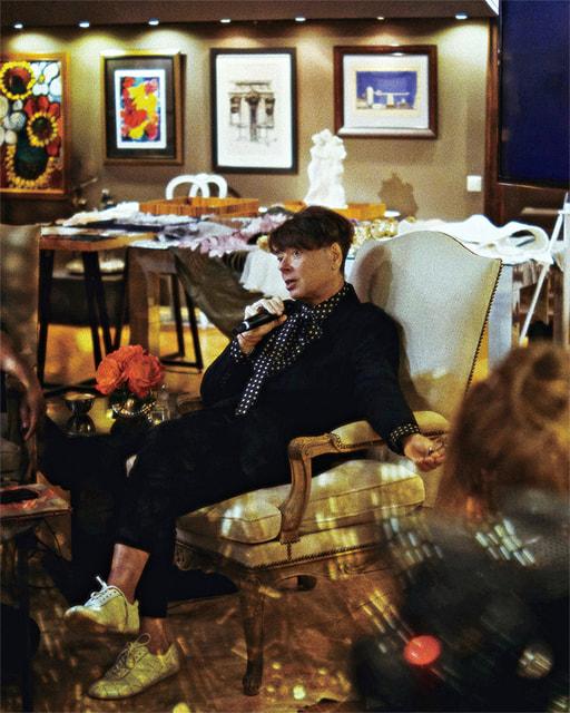 В. Юдашкин на одном из занятий в Академии моды