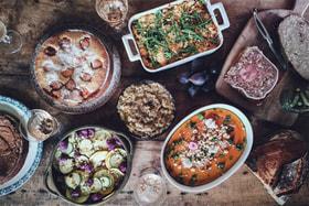 Обычные люди, которым нужно после работы что-то есть, перестают смотреть на процесс приготовления еды как на обязательный и однообразный