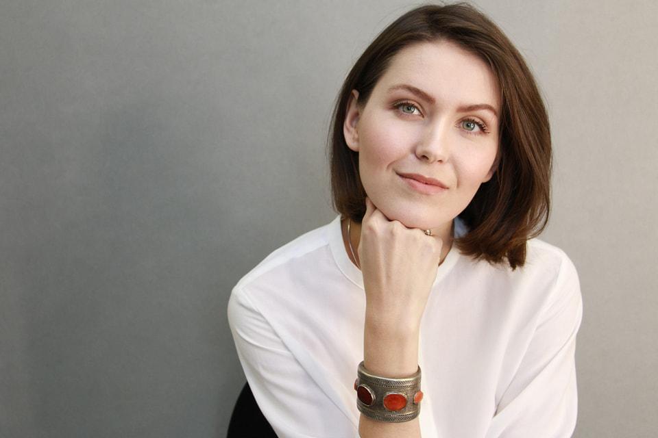 Дарья Грекова, дочь Алексея и Натальи, пошла по стопам родителей: окончила тот же институт, что и они, получила специальность художник-стилист, стала художником