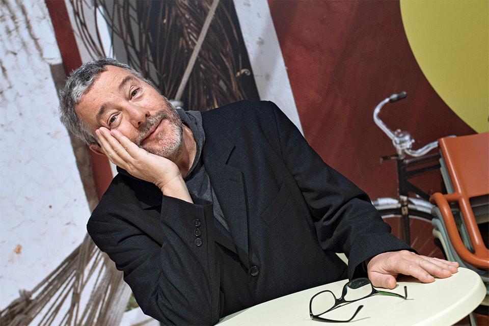 В этом году Филипп Старк пополнил свою коллекцию ароматов и выпустил   новинку – парфюм Peau d'Amour («Кожа любви»)