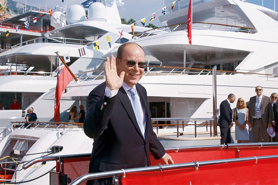 Принц Монако Альбер II по традиции покровительствует выставке