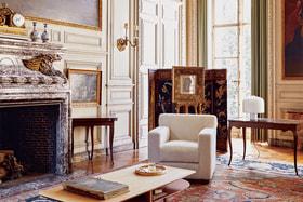 Современные предметы из коллекции Hermes Maison органично вписываются в интерьер особняка XIX века