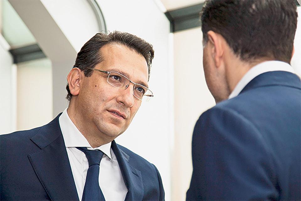 Оник Азнаурян подключился к семейному медицинскому бизнесу, который развивал его брат Игорь, уже будучи опытным управленцем