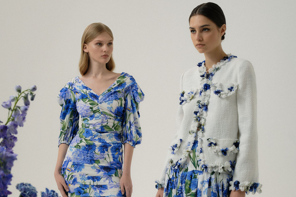 Главным мотивом новой коллекции стал синий цвет, характерный для сицилийской мозаики