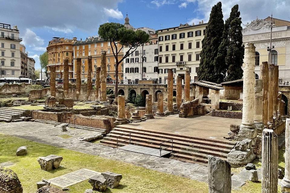 Дом Bvlgari спонсирует восстановительные работы древнего памятника Ларго-ди-Торре-Арджентина, по завершении которых он будет открыт для туристов