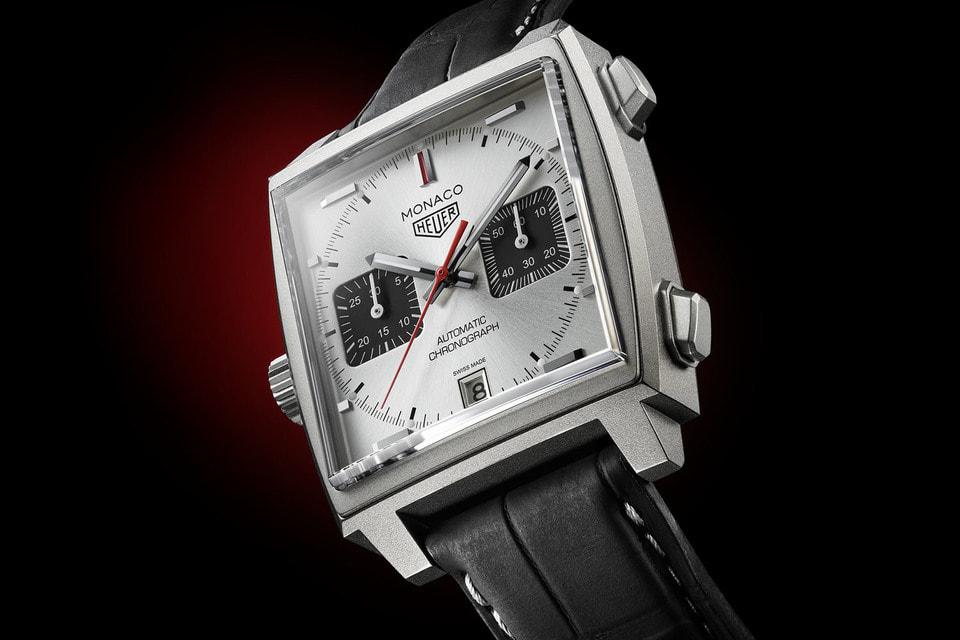 Корпус часов Monaco Titan Special Edition создан из легкого титана, а дизайн решен в серебряном и черном цветах