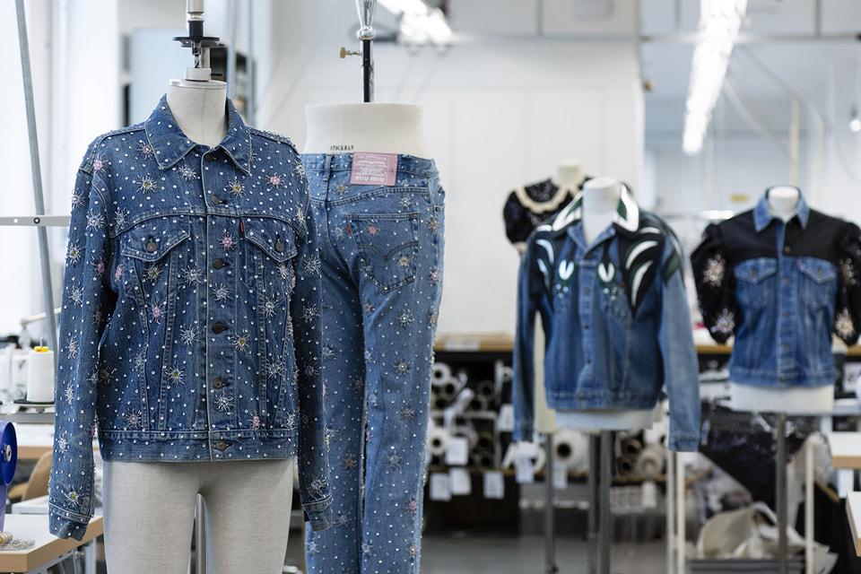 В капсульной коллекции Upcyсled by Miu Miu дизайнеры итальянского бренда дали новую жизнь винтажному дениму Levi's