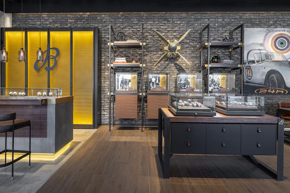 Интерьер нового бутика Breitling: атмосфера индустриального лофта в динамичной городской среде