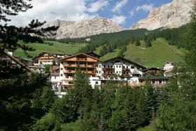 Rosa Alpina — сердце очаровательной коммуны Сан-Кассиано в Доломитовых Альпах