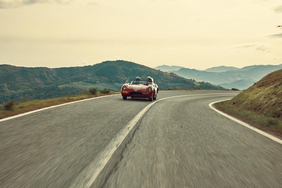 Chopard уже в 34-й раз является официальным хронометристом ралли винтажных автомобилей 1000 Miglia