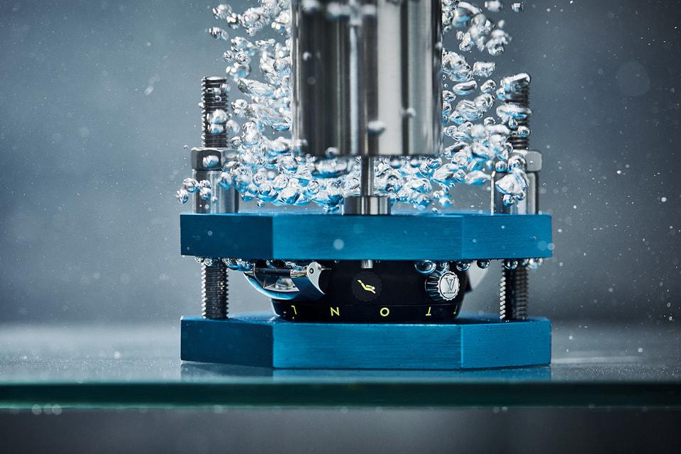 Часы Louis Vuitton Street Diver прошли серьезное испытание на давление и герметичность