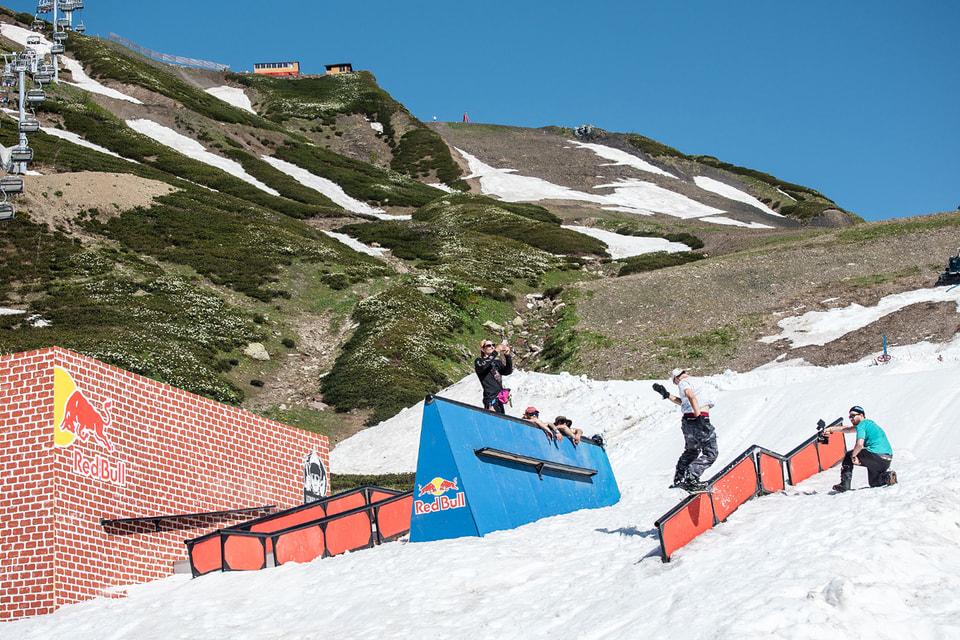 Лыжники смогут покататься в BonusSummer Camp до 11 июля