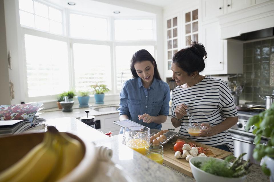 Специалисты напоминают, что перекус — это такой же прием пищи, пусть и менее калорийный