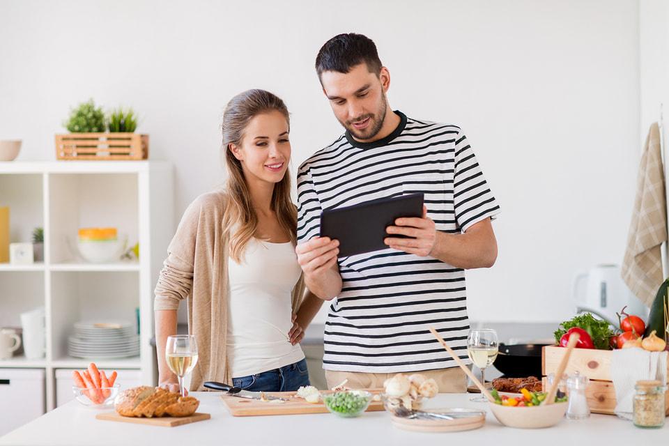 Аналитики ожидают, что в ближайшие годы компании начнут выпускать множество снэков исключительно для торговли через онлайн-магазины