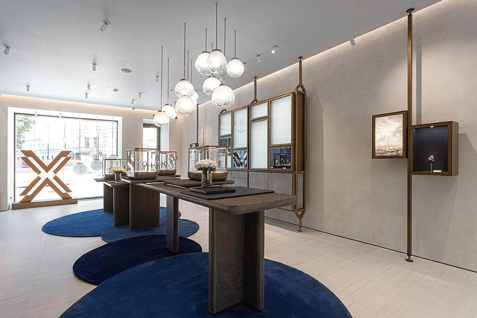 Интерьер обновленного бутика Ulysse Nardin в морском духе часового бренда