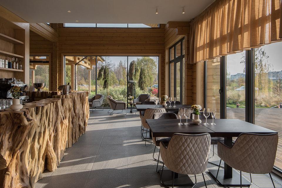 «Прозрачность», простота, экологичность – таковые требования к дизайну ресторанных интерьеров сегодня