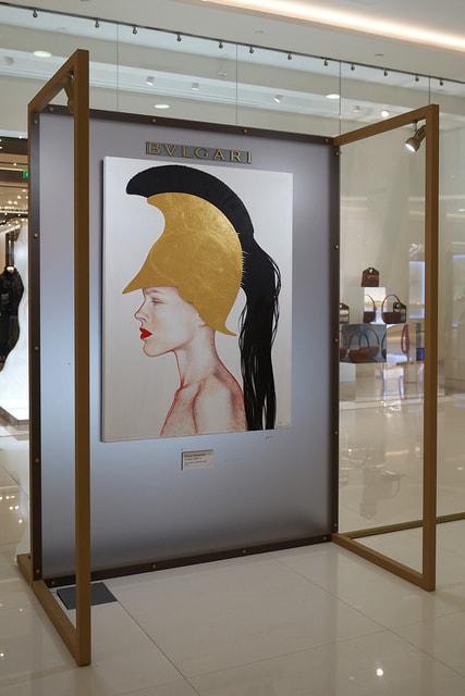 В цикле своих работ Янковская демонстрирует образ современной женщины как воительницы-Афины дня сегодняшнего