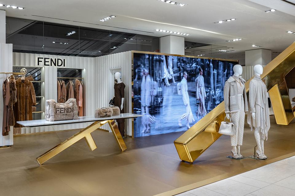 В дизайне поп-ап корнера Fendi оригинально обыгрывается логотип модного итальянского бренда – двойная литера F